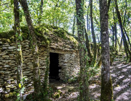 L'enceinte fortifiée en pierres sèches du Roc de Gayfier